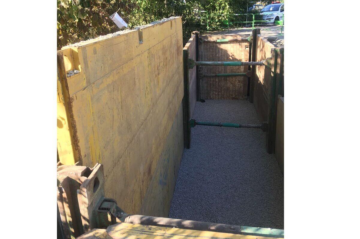 FONTANIL terrassement pour pose conteneurs enterrés