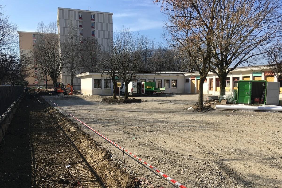 ANNEMASSE Groupe Scolaire Les Hutins aménagement de la cour d'école