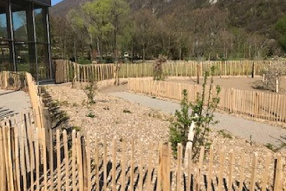 Terrassement, VRD, clôture et plantations